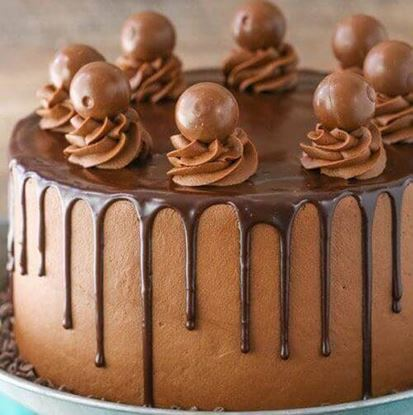 Picture of Chocolate Shot Drip Cake
