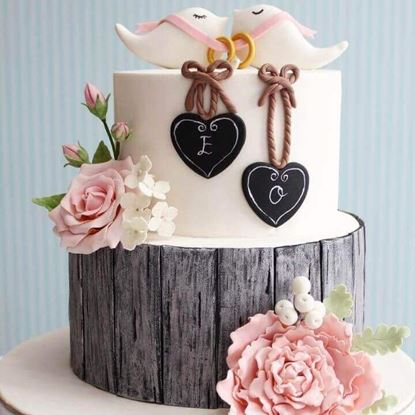 Picture of Engagement Cake 4