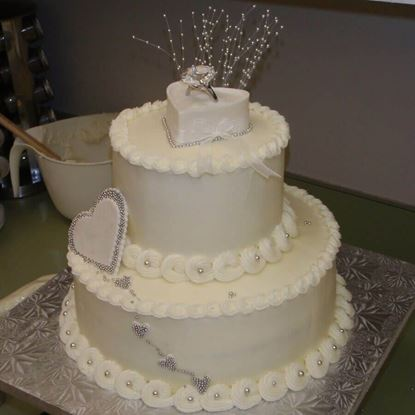 Picture of Engagement Cake 8