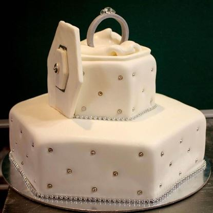 Picture of Engagement Cake 9