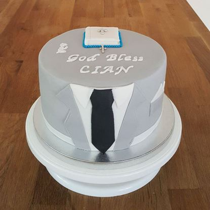 Picture of Suit Theme Cake