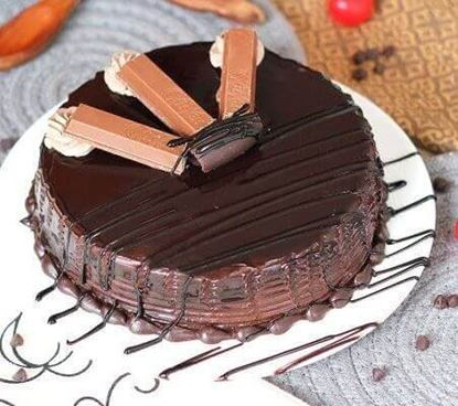 Picture of Kitkat Cake