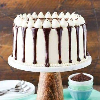 Picture of Choco Vanilla Drip Cake