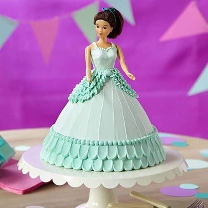 Picture of Barbie Cake 3