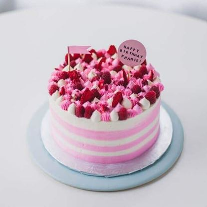 Picture of Classic Cake 1