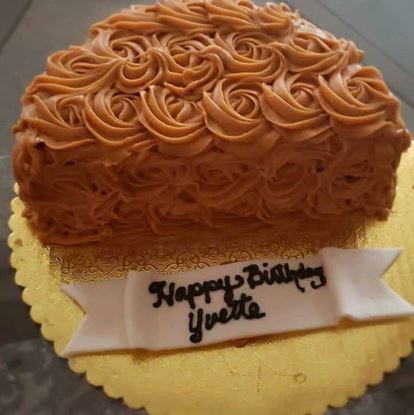 Picture of Chocolate Rose Half Cake
