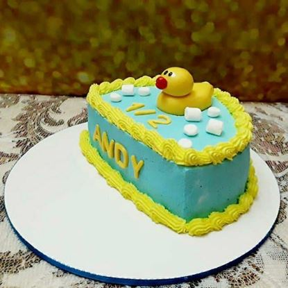 Picture of Cute Duck Half Cake